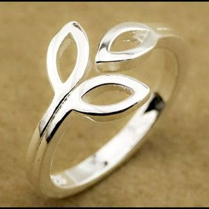 BRAND NEW .925 STERLING SILVER RING- STAMPED